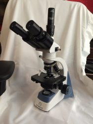 میکروسکوپ سه چشمی با لنز plan